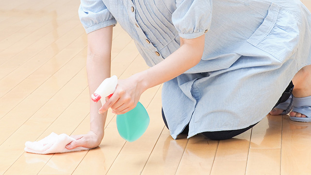 床の汚れをキレイに掃除する方法